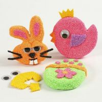 Magnets from Papier-Mâché Shapes with Foam Clay & wiggle Eyes
